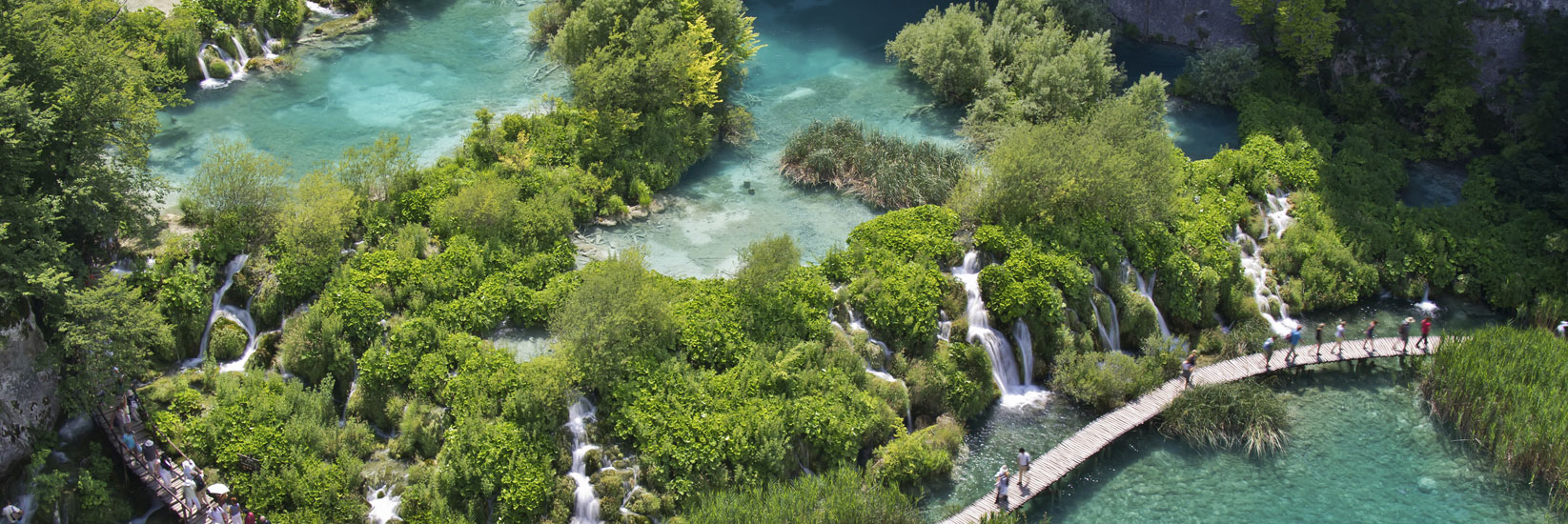 plitvice-lakes-summer-walk